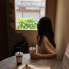 37 Ideas for fashion asian girly ulzzang Korean Girl Cute, Korean Girl Ulzzang, Ulzzang Girl Fashion, Couple Ulzzang, Asian Cute, Korean Girl Fashion, Asian Girl, Kfashion Ulzzang, Korean Aesthetic