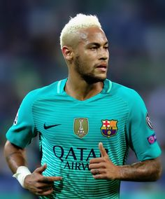Neymar of Barcelona looks on during the UEFA Champions League group C match between VfL Borussia Moenchengladbach and FC Barcelona at Borussia-Park on September 2016 in Moenchengladbach, North Rhine-Westphalia. Neymar Jr, La Champions League, Moise, World Cup 2014, Professional Football, Old Trafford, Fc Barcelona, Football Players, Manchester United