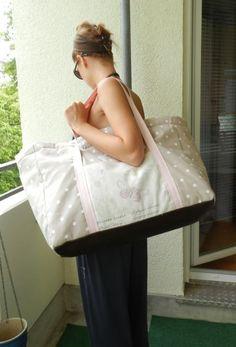 Nähanleitung für eine große Strandtasche/Big Bag. Damit ist alles verstaut, was man für einen Tag am Strand braucht.