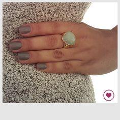 Anel com pedra brasileira - Quartzo verde