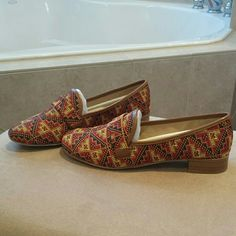 """BRAND NEW Boutique 9 woven tribal smoking flats BRAND NEW, NEVER WORN Boutique 9 woven smoking flat  Elaborate alpaca wool in an age -blind tribal pattern,  Backed by rich leather trim and a stacked heel  -Alpaca wool & leather -Leather lining and sole -stacked heel 1"""" -padded insole -box not included Boutique 9 Shoes Flats & Loafers"""