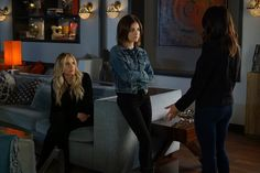 Pin for Later: While You Were Distracted by the Drama on Pretty Little Liars, We Were Looking at the Outfits  Aria knows every woman should own a trusty denim jacket.
