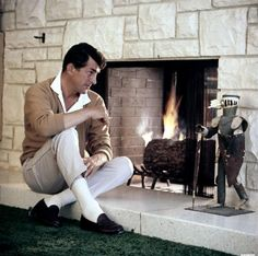 Dean Martin (Photo by Michael Ochs Archives/Getty Images) Dean Martin, Martin King, Classic Hollywood, Old Hollywood, Hollywood Cinema, Hollywood Glamour, Hollywood Stars, Joey Bishop, Peter Lawford