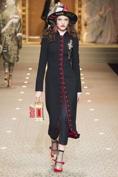 7a4e1fdae72b Dolce   Gabbana Autumn Winter 2018 Ready To Wear