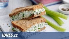 Slimming World's cheese and onion sandwich is certainly a healthy option when it comes to lunch. It's made using wholemeal bread and lower-fat filling Easy Sandwich Recipes, Sandwich Fillings, Wrap Recipes, Lunch Recipes, Sandwich Ideas, Easy Recipes, Vegetarian Recipes, Cream Cheese Sandwiches, Texture