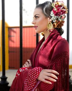 Comenzamos #Marzo dando vida a la colección rojo pasión con ramillete lateral de diferentes especies de flores, mantón bordado estilo… Moda Floral, Sequin Skirt, Sari, Sequins, Skirts, Nosegay, Orange Blossom, Flamenco, Embroidery