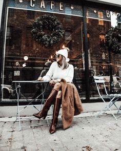 Photo shared by Lindsey Lutz | Life Lutzurious on December 16, 2020 tagging @shopbop, @abercrombie, @bbdakota, @haveawesleyday, @essentialbham, and @paristexas_it. May be an image of one or more people, footwear and outerwear. Chic Winter Outfits, Spring Fashion Outfits, Spring Fashion Trends, Stylish Outfits, Mom Style, Everyday Fashion, High Fashion, December, Footwear