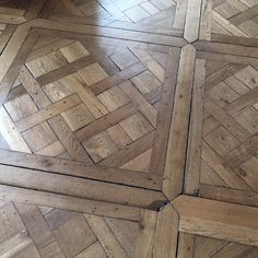 Floor detail at the Palace of Versailles Wood Parquet, Concrete Wood, Parquet Flooring, Wooden Flooring, Hardwood Floors, Herringbone Floor Pattern, Wood Floor Pattern, Floor Patterns, Wood Flooring Options