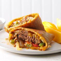 Fajita Burger Wraps Recipe -This combo gives you a tender burger, crisp veggies and a crunchy shell, plus fajita flavor. Kids love it. —Antonio Smith, Canal Winchester, OH Applebees Recipes, Copycat Recipes, Quesadilla Burgers, Quesadilla Recipes, Quesadillas, Fajita Seasoning Mix, Fajita Marinade, Fajita Recipe, Dinner With Ground Beef