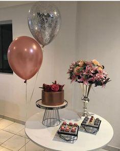 Os balões, a ideia clean Birthday Goals, 20th Birthday, Birthday Party Themes, Happy Birthday, Simple Birthday Surprise, Simple Birthday Decorations, Its My Bday, Happy B Day, Pink Party Decorations