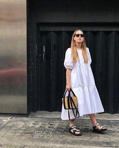 Best Trending Fashion for Women - Fashion Trends Vestidos Zara, Mode Outfits, Fashion Outfits, Womens Fashion, Fashion Trends, Cos Dresses, Summer Dresses, Spring Summer Fashion, Spring Outfits