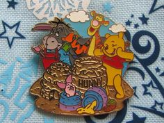 HKDL Hong Kong Disney Trading Pin - Pooh Eeyore Tigger Beach Sand Castle