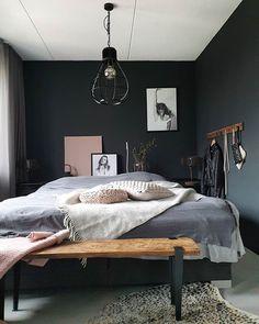 Bedroom in dark colours Bedroom Loft, Master Bedroom, Bedroom Decor, Home Hacks, New Room, Black Walls, House Styles, Home Decor, Bedside