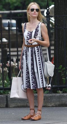 Blanco puro: El bolso it de las mujeres con estilo KATE BOSWORTH