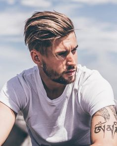 Mens Hairstyles Pompadour, Mens Hairstyles Fade, Cool Hairstyles For Men, Undercut Hairstyles, Men Hairstyle Thick Hair, Undercut Men, Thin Hair, Natural Hairstyles, Stylish Mens Haircuts
