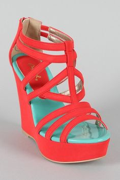 I love wedges I love coral. So of course I loooove coral wedges! Women's Shoes, Shoes 2018, Cute Shoes, Me Too Shoes, Shoe Boots, Ankle Boots, Louboutin Shoes, Neon Shoes, Bright Shoes