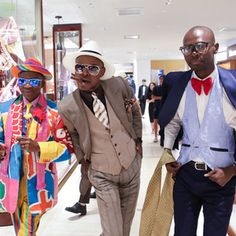 コンゴのファッション集団サプール伊勢丹メンズ館内を練り歩き