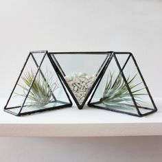 Ada Glass Triangle Free Stand Shape