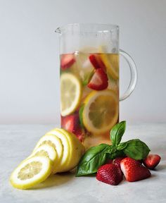 Cold Brew Iced Tea with Fresh Fruit