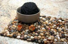 Коврик для ванной своими руками - Из ракушек и камней - Поделки из природных материалов - Каталог статей - Рукодел.TV