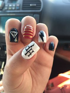 65 Newest And Creative Halloween Nail Art Designs 2018 - Nägel kunst - halloween nails Harry Potter Nails Designs, Harry Potter Nail Art, Nail Art Diy, Easy Nail Art, Cool Nail Art, Nail Art Halloween, Halloween Nail Designs, Pink Halloween, Trendy Halloween