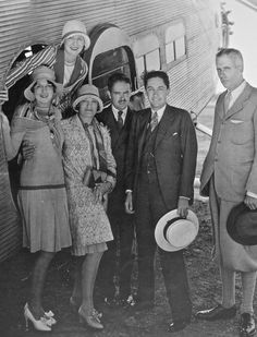 Irving Thalberg charters a weekend trip to Coronado with Athole Shearer Hawks, Norma Shearer, Virginia Conway, Paul Bern and Howard Hawks Old Hollywood Stars, Hollywood Icons, Golden Age Of Hollywood, Vintage Hollywood, Classic Hollywood, Norma Shearer, Loretta Young, Jean Harlow, Kate Hepburn