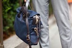 Filson original briefcase navy available at www.beaubags.nl www.beaubags.de