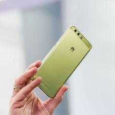 """53 To se mi líbí, 1 komentářů – Huawei Mobile CZ/SK (@huaweimobileczsk) na Instagramu: """"Na #mwc17 v Barceloně byl #huaweip10 představen v mnoha barvách. Zelená vám dodá radost,…"""""""
