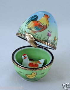 NEW AMAZING EGG ROOSTER CHICKS BUNNIES TULIPS & REMOVABLE HEN FRENCH LIMOGES BOX