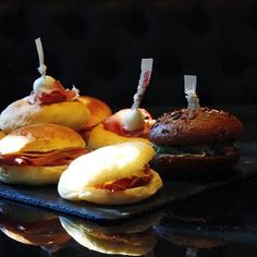 Se siete a spasso per il centro e avete voglia di uno spuntino noi ci siamo! #frankmilano #foodporn #foodstagram #tartare #foodie #foodgasm #foodforfoodies #foodlovers #tasty #bistrot #milano  #beautifulcuisines #sandwich #burger #nothingisordinary #abmlifeiscolorful  Yummery - best recipes. Follow Us! #foodporn