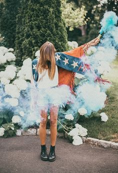 how to look like a firework' Tessa Barton 4th of July