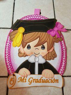 Resultado de imagen para pinterest fomi graduacion Graduation Crafts, Graduation Project, Graduation Decorations, Graduation Party Decor, Grad Parties, Clipart Baby, Diy And Crafts, Crafts For Kids, Arts And Crafts
