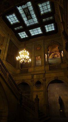 Escales interiors de l'Ajuntament de Barcelona