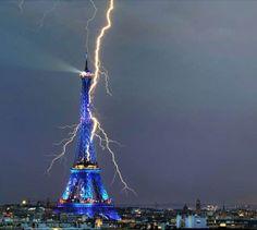 pics of lightning strikes | Lightning strikes Eiffel tower 1902 and 2011