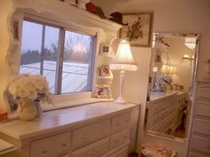 This amazing mobile home is an inspiration. Plush and contemporary with muted colors makes this home stand out with a shabby chic meets modern decor. Shabby Chic Dresser, Home, Home Remodeling, Shabby Chic Bathroom, Home Renovation, Mobile Home Bathrooms, Mobile Home Decorating, Home And Living, Manufactured Home