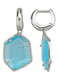 Diese türkisblauen, wundervoll geformten Ohrringe bringen nicht nur Ihre Ohren, sondern auch Ihre Augen zum Funkeln. #Schmuck