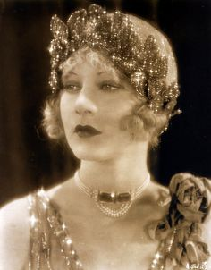 """Art DecoHelene Costello in a publicity shot for """"Millionaires"""" (1926) - Born June 21, 1906 New York City, New York, U.S. Died January 26, 1957 (aged 50) San Bernardino, California, U.S. Cause of death Pneumonia. Sister of Dolores Costello."""