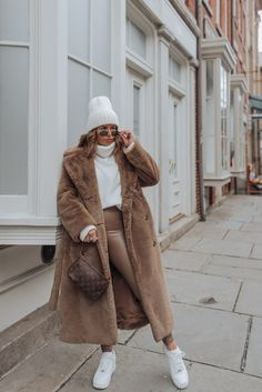 Brown tones - Flaunt and Center Source by FlauntandCenter fashion office Nyc Fashion, Winter Fashion Outfits, Look Fashion, Autumn Winter Fashion, Fall Outfits, Womens Fashion, Winter Coat Outfits, Petite Fashion, Street Fashion