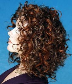 Hairstyle for Short Curly Hair
