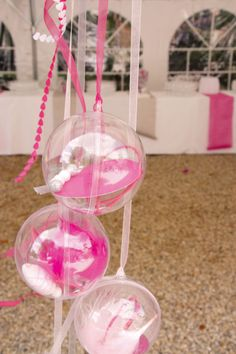 mariage rose et gris on pinterest mariage ballon d 39 or and roses. Black Bedroom Furniture Sets. Home Design Ideas
