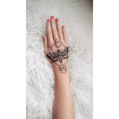 Līga Tiesniece (@eyebeka) • Instagram photos and videos Palm Tattoos, Henna Tattoos, Black Tattoos, Black Henna, Hand Henna, Photo And Video, Videos, Instagram Posts, Photos