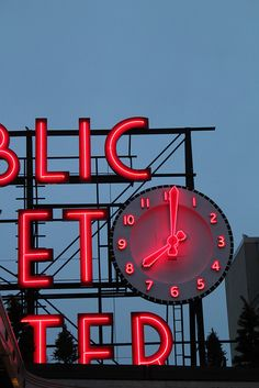 Vintage Neon - Clock