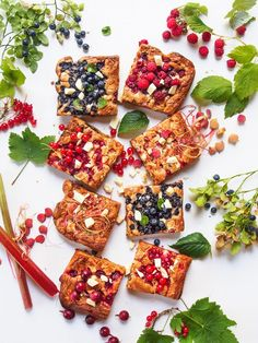 These browned butter-seasalt-white chocolate-berryblondies are just sinfully delicious! Brown Butter, Bruschetta, Sea Salt, White Chocolate, Dairy, Cheese, Food And Drink, Baking, Ethnic Recipes