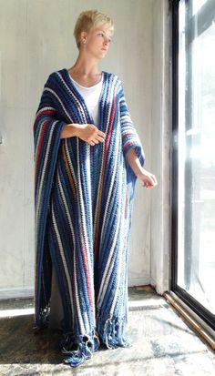 Ravelry: Simply Ruana - Shawl - Poncho pattern by Elizabeth Gormley Shawl Crochet, Crochet Coat, Crochet Cardigan Pattern, Crochet Scarves, Crochet Clothes, Crochet Patterns, Beautiful Crochet, Shawls And Wraps, Crocheting
