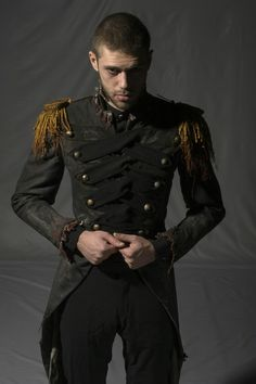 Uniform, steampunk style man in army jacket. to create a cologne as unique as you are:) Best Picture For Steampunk Fashion goggles For Your Taste You are looking for somethi Costume Steampunk, Mode Steampunk, Victorian Steampunk, Steampunk Clothing, Steampunk Fashion, Gothic Fashion, Look Fashion, Mens Fashion, Fashion Design