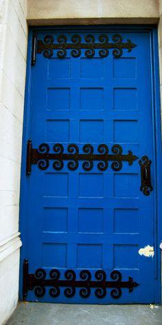 Blue Door, http://www.flickr.com/photos/citysnidget/4334324595/