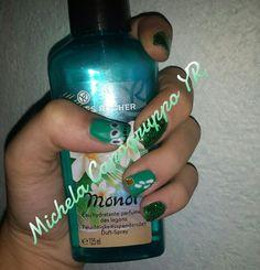 Nail art con smalto semipermanente nelle tonalità del verde!