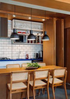 Duplex Por Leão Arrais Arquitetura || foto: Claudio Cologni Creative Studio || #livingroom  #wood #forniture #interiordesign #arquitetura #ambiente #decoracao #decor #ccofotos #fotografiadearquitetura #duplex #apartamento #wood #architecture #homedecor #fotografiadeinteriores