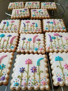 Summer Cookies, Fancy Cookies, Iced Cookies, Easter Cookies, Birthday Cookies, Cupcake Cookies, Cupcakes, Flower Sugar Cookies, Sugar Cookie Icing