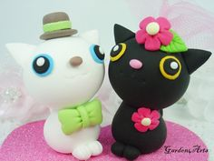 Cute Cat Love Couple Wedding Cake Topper with Heart Base - SPECIAL FOR 2012